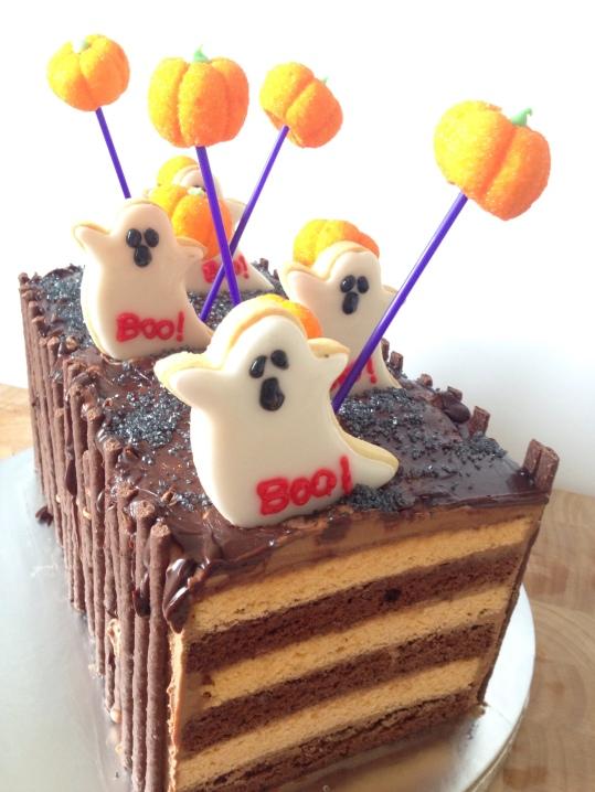 hallow-cake